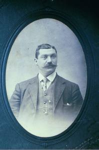 elvezio-lesina-cira-1910